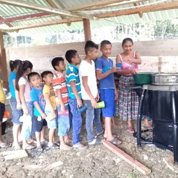 Eco stoves to cook school lunches